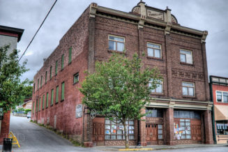 Restore the Travellers Hotel in Ladysmith