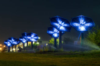 Flower-shaped solar powered path lighting